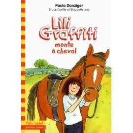Lili Graffiti monte à cheval